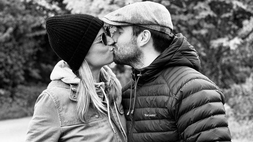 Emily VanCamp und Josh Bowman