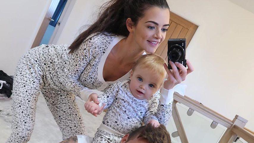 Emma McVey und Gary Beadle mit ihrem Sohn Chester