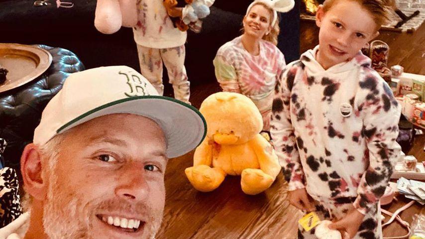 Eric Johnson mit Jessica Simpson und den Kids, April 2020