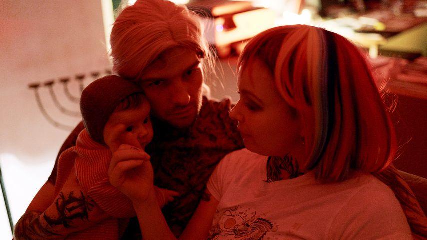 """Eric und Edith Stehfest mit ihrer Tochter Aria in """"Eric gegen Stehfest: In Therapie"""""""