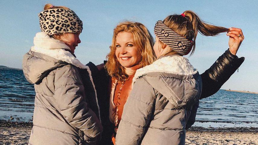 Eva Imhof mit ihren beiden Töchtern an der Ostsee, Dezember 2019