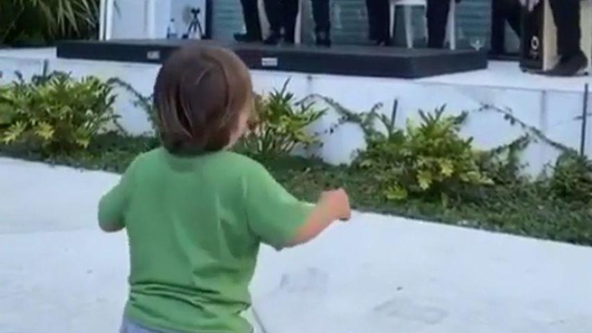 Eva Longorias Sohn Santiago, Mai 2020