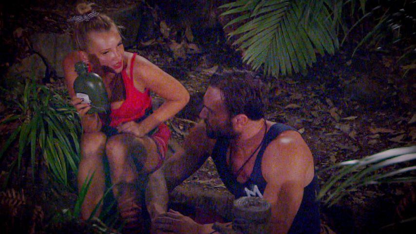 Evelyn Burdecki und Bastian Yotta an Tag 12 im Dschungelcamp