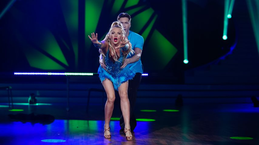 "Evelyn Burdecki und Evgeny Vinokurov bei ""Let's Dance"""