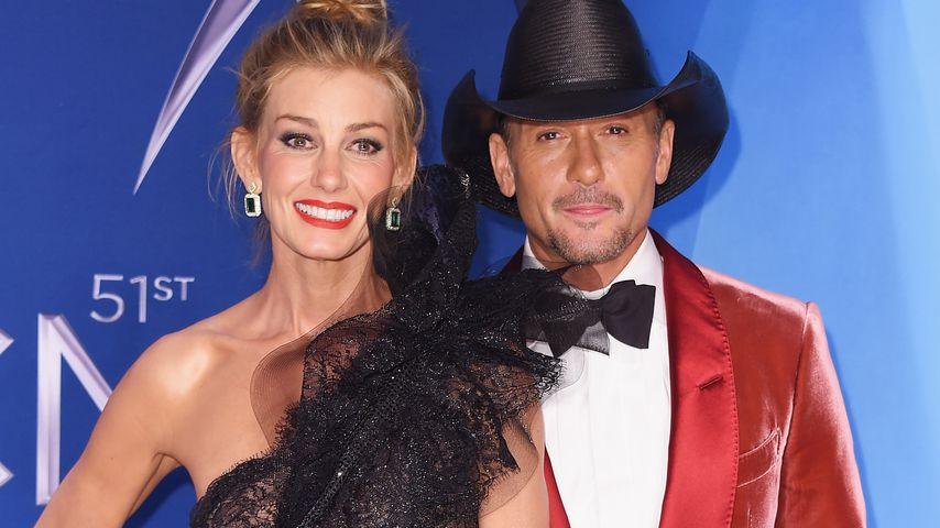 Große Narbe am Hals: Was ist Faith Hill passiert?