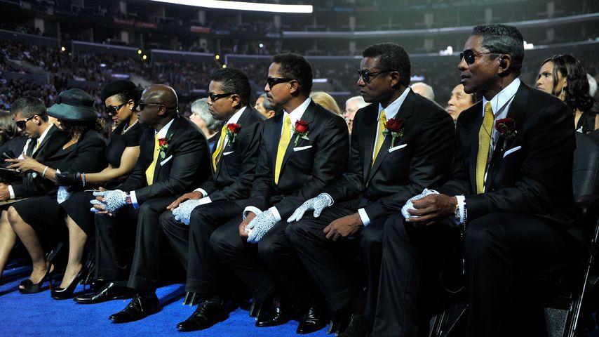 Familienmitglieder von Michael Jackson bei seiner Trauerfeier 2009