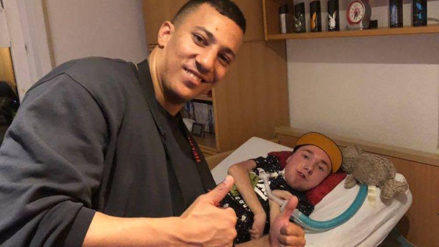 Mit Kollegah am Handy: Farid Bang besucht todkranken Rapper