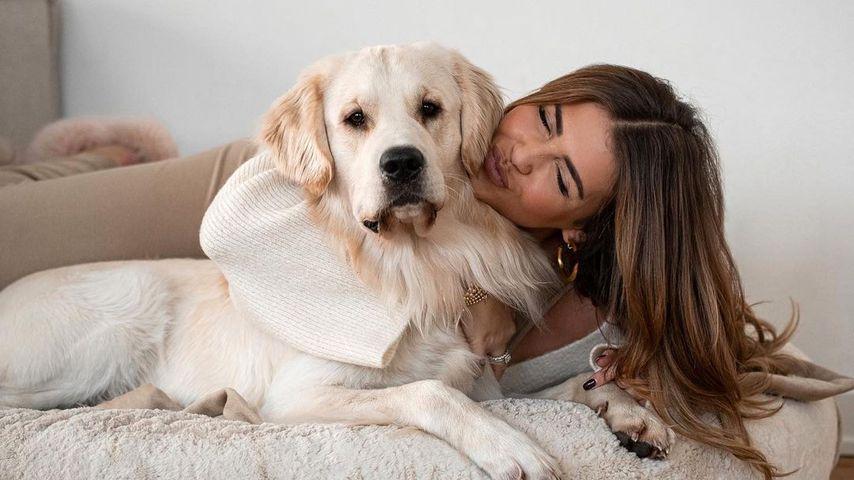 Farina Opoku alias Novalanalove mit ihrem Hund Oreo, Januar 2021
