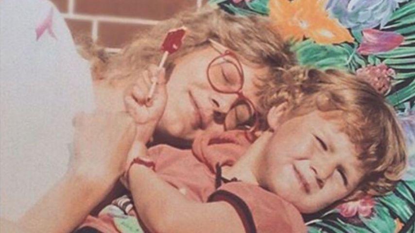 Fiona Erdmann (r.) als Kind mit ihrer Mutter