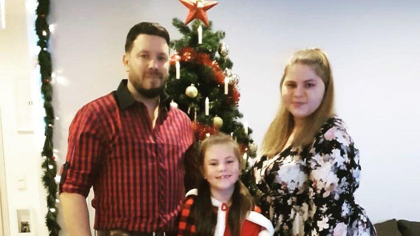 Florian Köster, Sylvana Wollny und ihre Töchter Celina-Sophie und Anastasia an Weihnachten 2020