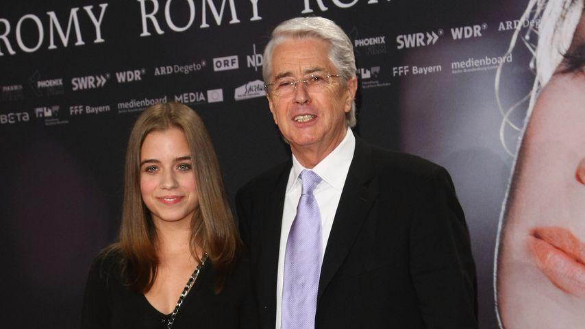 """Frank Elstner mit seiner Tochter Lena bei der """"Romy""""-Premiere, 2009"""