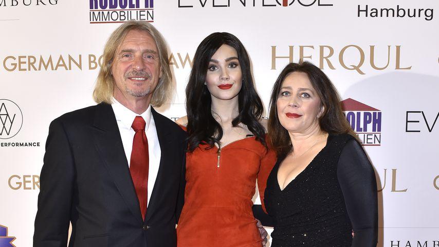 Frank Otto mit Nathalie und Viktoria Volk