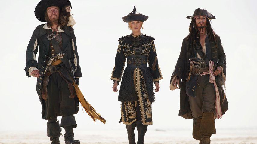 """Geoffrey Rush, Keira Knightley und Johnny Depp im dritten Teil von """"Fluch der Karibik"""""""