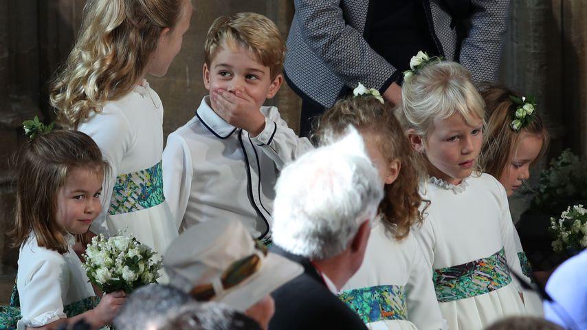 Prinz George & seine Cousine albern bei Eugenies Trauung rum