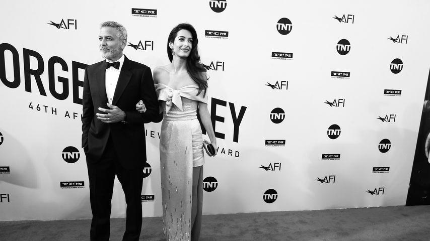 Zwillings-Dad: George Clooney witzelt über Baby-Kotze