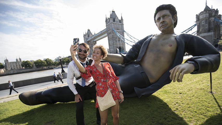 """Jeff Goldblum-""Statue in London zum ""Jurassic Park""-Jubiläum 2018"