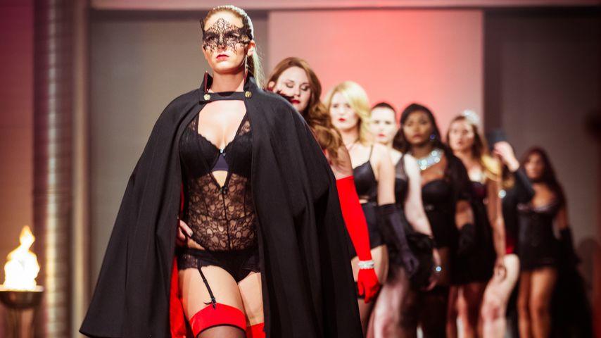 """""""Curvy Supermodel"""": Heiße Dessous-Show der Kandidatinnen"""