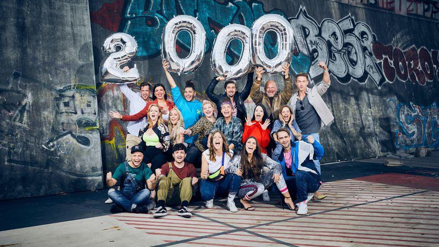 "Gruppenbild des ""Berlin - Tag & Nacht""-Casts zur 2000. Folge"