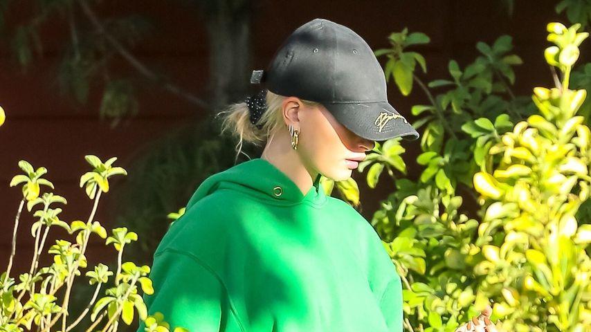 Hailey Bieber in Los Angeles
