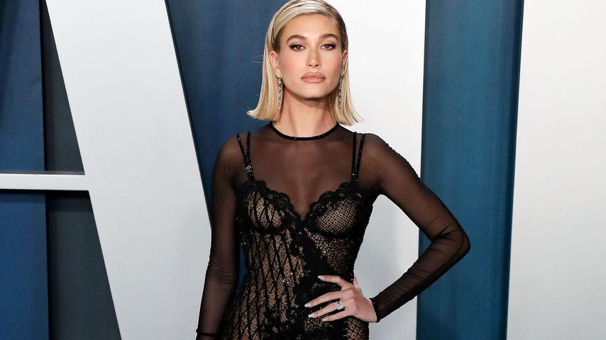 Hailey Bieber bei der Vanity Fair Oscar Party 2020