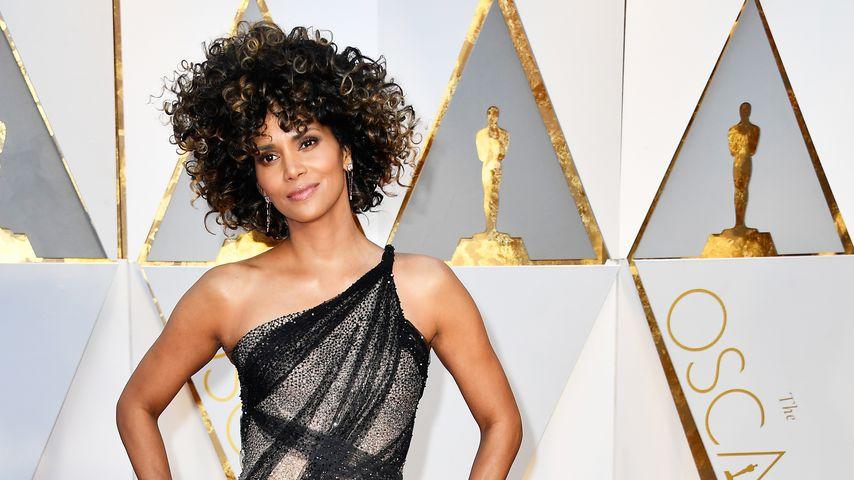 """""""Wischmopp""""? Das Netz lacht über Halle Berrys Oscar-Afro!"""
