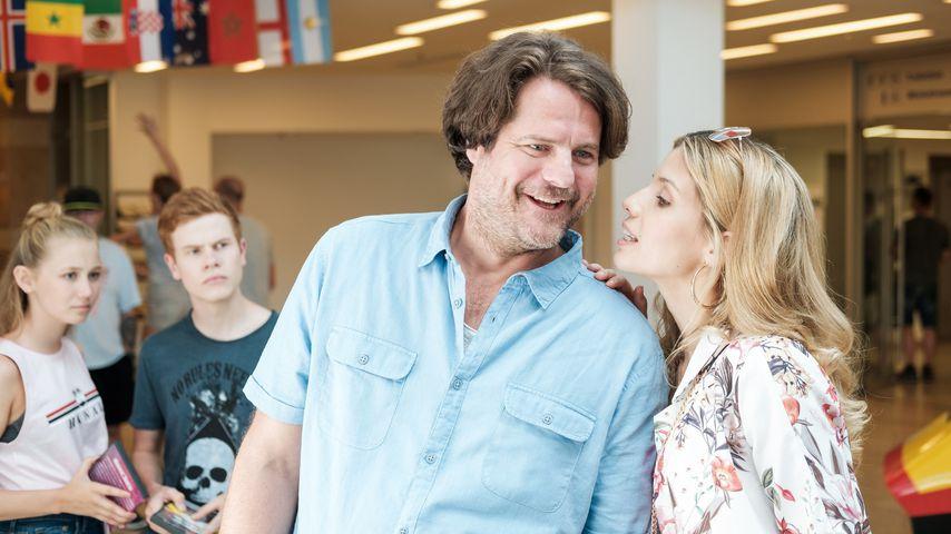"""Stefan (Tim Olrik Stoeneberg) und Britta (Isabel Vollmer) in """"Freundinnen – Jetzt erst recht"""""""