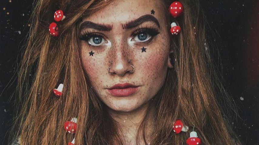Kritzel-Kugeln: Diese YouTuberin tätowiert sich die Brüste