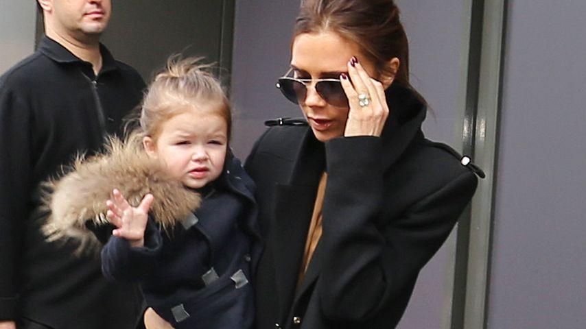 Harper Beckham: Übt sie Victorias strenge Mimik?