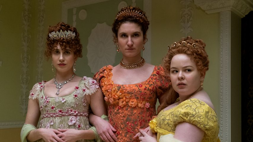 "Harriet Cains, Bessie Carter und Nicola Coughlan in ""Bridgerton"""