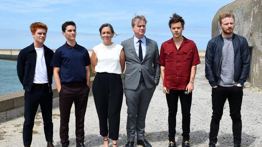 """Harry Styles (2. v. r.) mit seinen Kollegen von """"Dunkirk"""""""