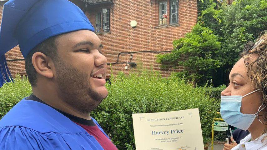 Harvey Price bei seinem Schulabschluss, Juli 2021
