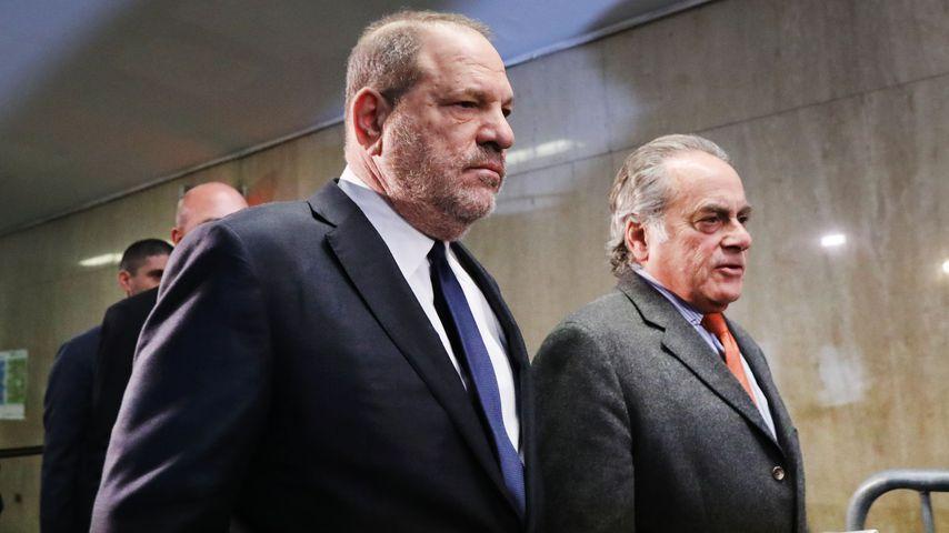 Harvey Weinstein (li.) mit seinem Anwalt vor Gericht in New York