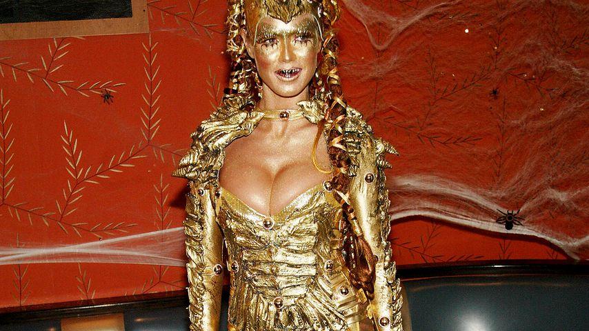 Heidi Klum auf ihrer Halloween-Party in NYC im Oktober 2003