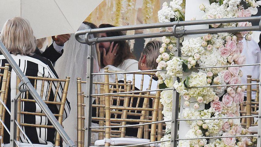 Heidi Klum und Tom Kaulitz küssen sich auf ihrer Hochzeit
