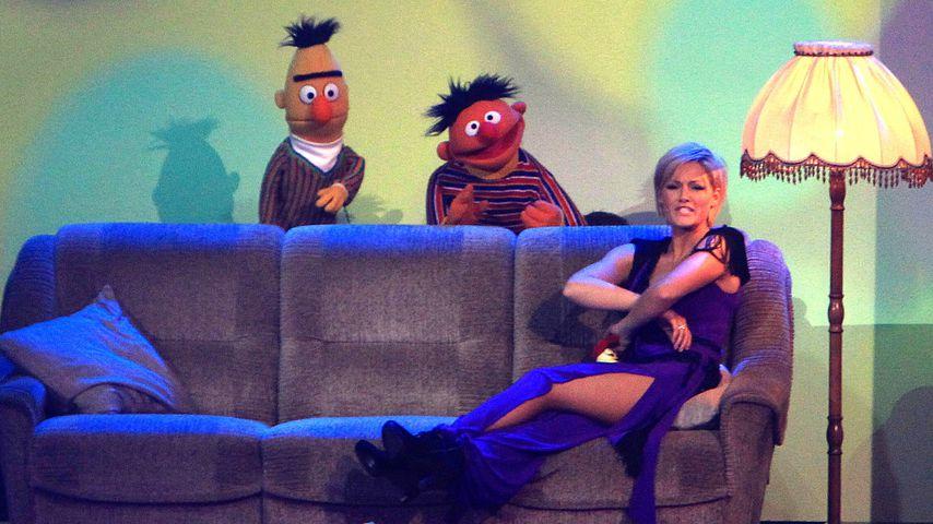 """Helene Fischer mit Ernie und Bert in der """"Helene Fischer-Show"""" 2011"""