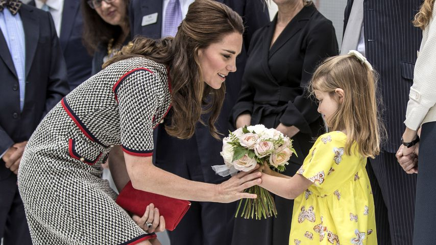 Kinderliebe Kate: Herzogin der Herzen trifft Blumen-Mädchen!