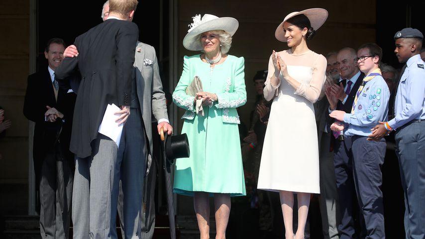 Prinz Harry, Prinz Charles, Herzogin Camilla und Herzogin Meghan vor dem Buckingham Palace