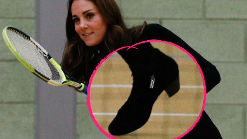 Hier spielt Herzogin Kate Tennis – in Absatzschuhen!