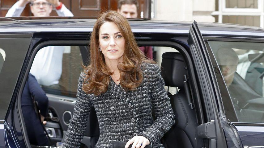 Nach Wow-Auftritt: Herzogin Kate im braven Tweed-Kostüm!