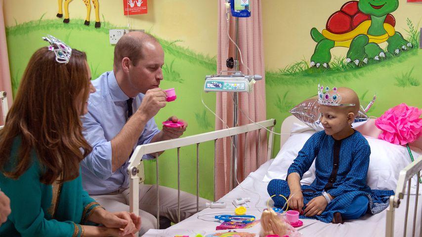 Süß! Kate und William spielen Teeparty im Krankenhausbett