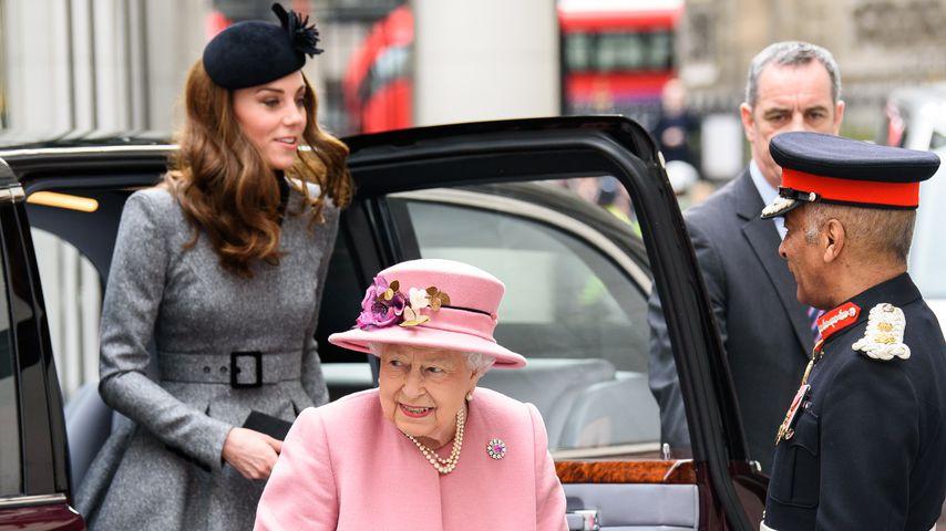 Stylishes Duo: Queen & Herzogin Kate zu zweit auf Event!