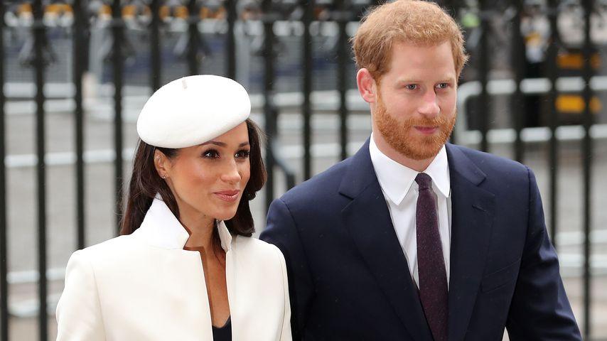 Herzogin Meghan und Prinz Harry vor der Westminster Abbey in London