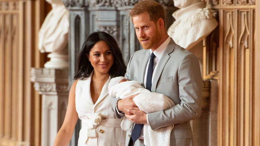 Herzogin Meghan und Prinz Harry mit ihrem Kind