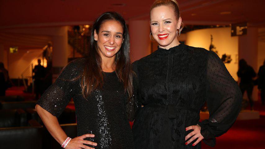 """Heydi Nunez Gomez und Isabel Edvardsson bei der Premiere des Musicals """"Wicked"""" in Hamburg, 2021"""