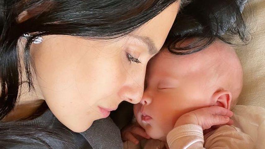 Warum eine Leihmutter? Hilaria Baldwin ungewohnt still