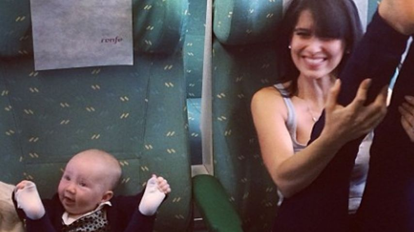 Hilaria Baldwin & Baby Carmen: Niedliches Yoga-Duo