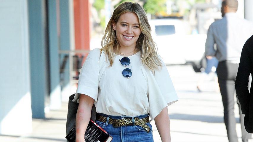 Hilary Duff beim Spaziergang in LA