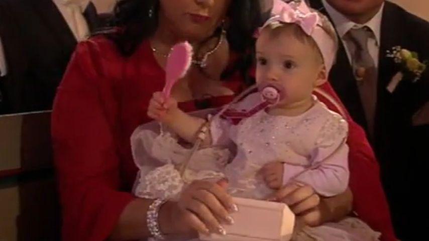 Knuffige Mini-Braut: Sophia Cordalis bezaubert im rosa Kleid