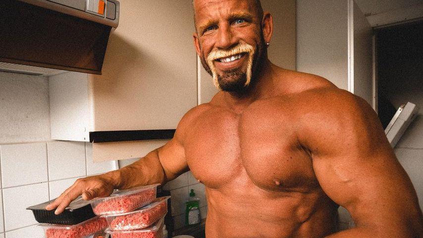 Dieser YouTuber isst bis zu 7.000 Kalorien in Massephase!