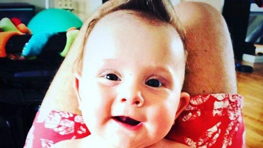 """Süßer """"Buddha"""": Rocco Stark postet Baby-Foto von Amelia"""